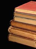 Pila de libros viejos imágenes de archivo libres de regalías