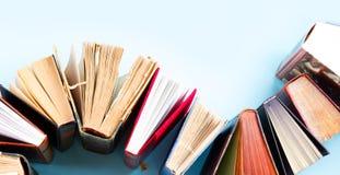 Pila de libros viejos imagen de archivo