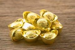 Pila de lingotes chinos del oro Imagen de archivo