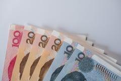 Pila de los billetes de banco chinos del yuan - RMB imagenes de archivo