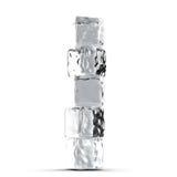 Pila de los cubos de hielo en el fondo blanco Foto de archivo