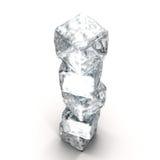 Pila de los cubos de hielo en el fondo blanco Imagen de archivo