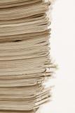 Pila de los periódicos Imágenes de archivo libres de regalías