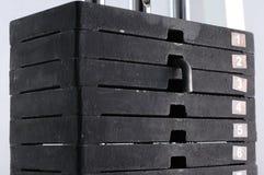 Pila de los pesos de la gimnasia imágenes de archivo libres de regalías