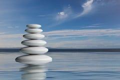 pila de los ZENES Stone de la representación 3d en agua Imagenes de archivo