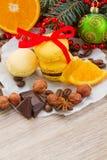 Pila de macarrones amarillos para la Navidad Foto de archivo libre de regalías