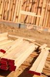 Pila de madera de construcción del edificio foto de archivo libre de regalías