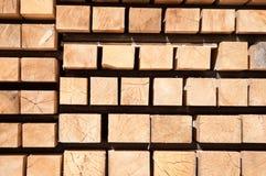 Pila de madera de los polos fotos de archivo libres de regalías