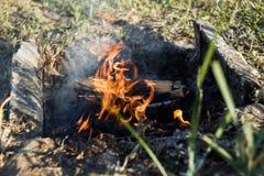 Pila de madera para el fuego Imagenes de archivo