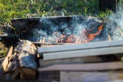 Pila de madera para el fuego Imágenes de archivo libres de regalías