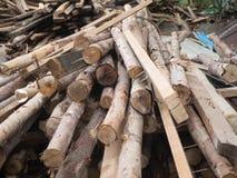 Pila de madera para la construcción Foto de archivo
