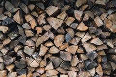 Pila de madera tajada todo fotografía de archivo