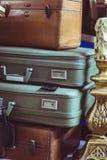 Pila de maletas del vintage Fotografía de archivo libre de regalías