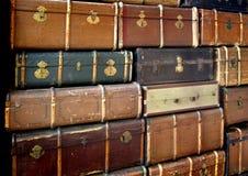 Pila de maletas del vintage Foto de archivo libre de regalías