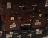 Pila de maletas del vintage Imagen de archivo libre de regalías