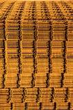 Pila de malla de refuerzo oxidada. Fotos de archivo libres de regalías