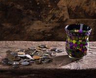 Pila de monedas viejas Fotografía de archivo libre de regalías