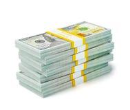 Pila de nuevos 100 dólares de EE. UU. de billetes de banco 2013 de la edición (cuentas) s Foto de archivo