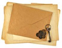 Pila de papeles de la vendimia Foto de archivo libre de regalías