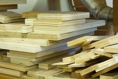 Pila de pedazos de la madera contrachapada fotografía de archivo libre de regalías