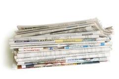 Pila de periódicos Foto de archivo libre de regalías