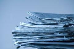 Pila de periódicos Fotos de archivo
