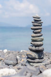 Pila de piedras en la playa del nam de Hin, Lipe, Tailandia Fotografía de archivo libre de regalías