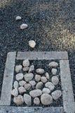 Pila de piedras en un monasterio del zen en Japón Imagenes de archivo