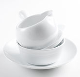 Pila de platos blancos limpios Imagenes de archivo