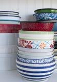 Pila de platos viejos Fotos de archivo libres de regalías
