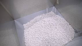Pila de píldoras blancas almacen de video