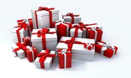 Pila de presentes del blanco y de un r