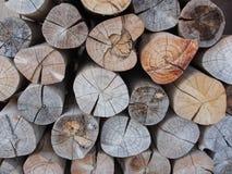 Pila de registros de madera, acción de madera del fuego para el uso del fondo Imagen de archivo libre de regalías