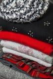 Pila de ropa del invierno Fotografía de archivo