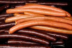 Pila de salchichas asadas a la parrilla de la salchicha de Frankfurt Fotografía de archivo libre de regalías
