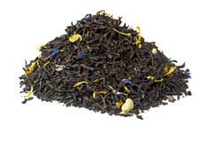 Pila de té negro gris del conde aislado en blanco Fotografía de archivo