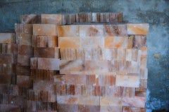 Pila de tejas de la sal de roca Fotografía de archivo