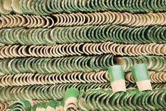 Pila de tejas verdes en Marruecos Foto de archivo