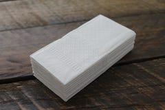 Pila de tejidos faciales blancos Foto de archivo libre de regalías