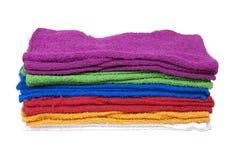 Pila de toallas coloridas Imágenes de archivo libres de regalías