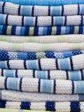 Pila de toallas de cocina Fotografía de archivo libre de regalías