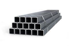 Pila de tubos cuadrados aislados en el fondo blanco fotografía de archivo