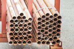 Pila de tubos de acero en la acción Fotografía de archivo libre de regalías