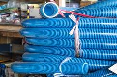 Pila de tubos tubulares plásticos foto de archivo libre de regalías