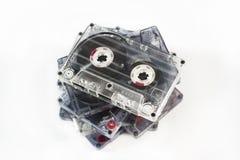 Pila de viejas cintas de audio imágenes de archivo libres de regalías