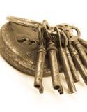 Pila de viejos claves y de bloqueo Imágenes de archivo libres de regalías