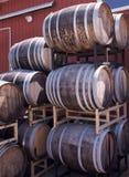 Pila del barril de vino imagen de archivo