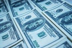 Pila del dinero $100 cuentas de dólar Fotografía de archivo libre de regalías
