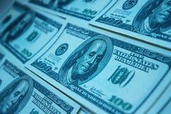 Pila del dinero $100 cuentas de dólar Imagen de archivo