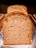 Pila del primer de pan del trigo para el desayuno fotos de archivo